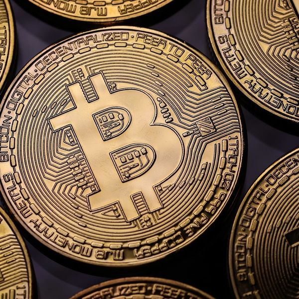 Facebook Just Banned Ads for Bitcoin and Other Cryptocurrencies