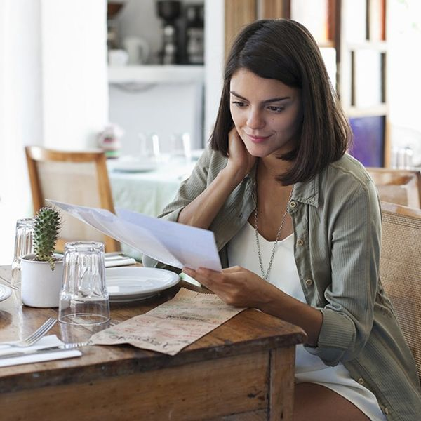 10 Experts Share How to Master the Art of Dining Solo