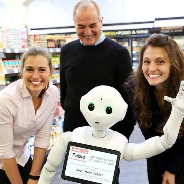 Fabio the Robot Is a Worse Employee Than You'll Ever Be