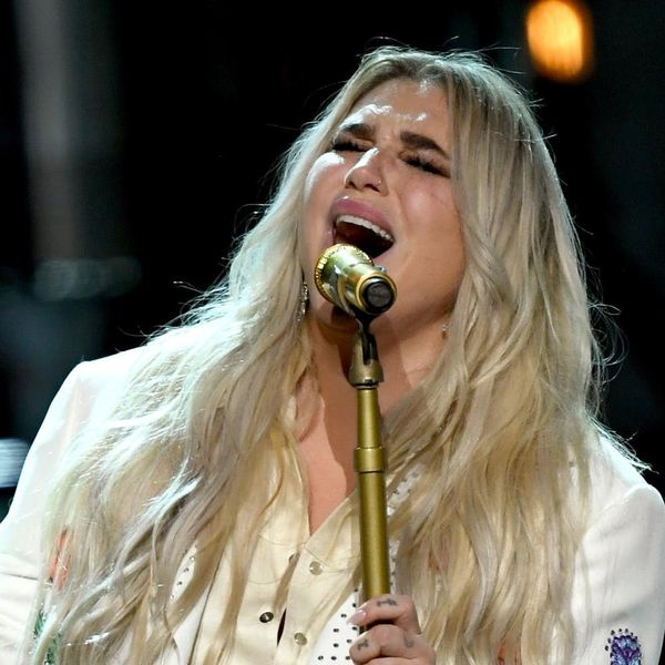 Kesha's Emotional 2018 Grammys Performance Brought *Everyone* to Tears
