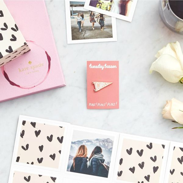 This Site Makes It Easy to Send Sweet Snail Mail to All Your Valentines