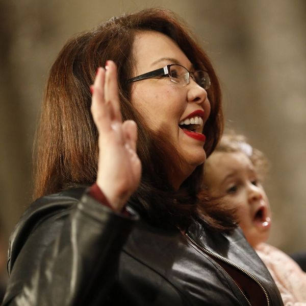 Tammy Duckworth to Become First Sitting Senator to Give Birth