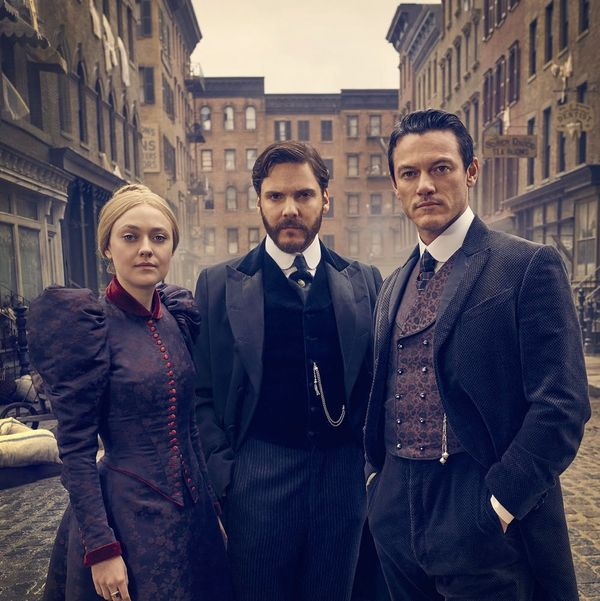 'The Alienist': 5 Things to Know About TNT's New Crime Drama Starring Dakota Fanning