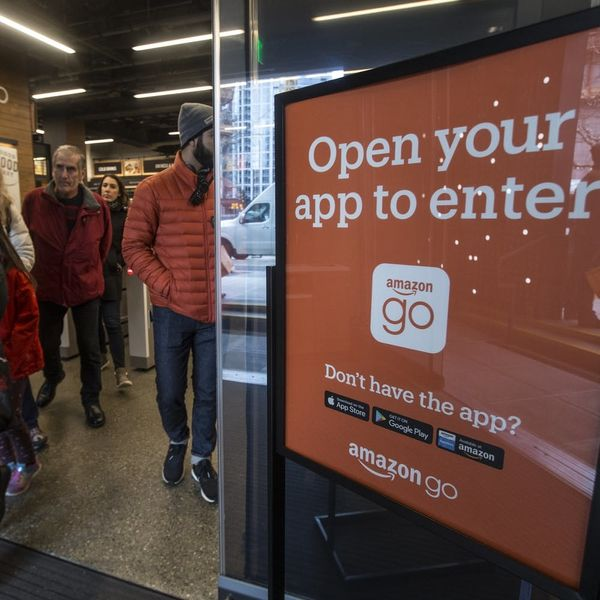 Amazon's First Cashier-Free Store Makes Shopping Eerily Convenient
