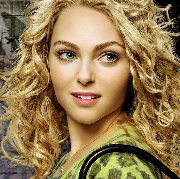 How Carrie Bradshaw in 'The Carrie Diaries' Became My Spiritual Mentor