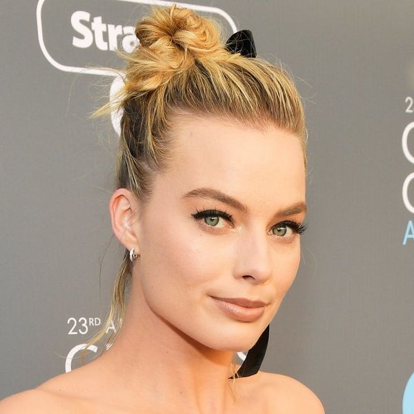 Margot Robbie's Stylist Tells Us How to Get Her 2018 Critics' Choice Awards Topknot for $15