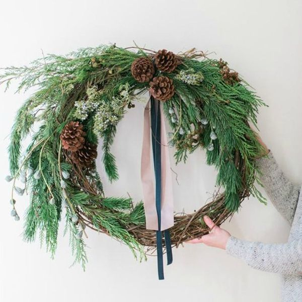 8 Wreaths to Get Your Winter Wedding Ready