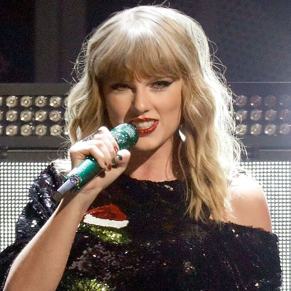 Taylor Swift Reportedly Donated Money to Help a Homeless and Pregnant Fan Buy a House