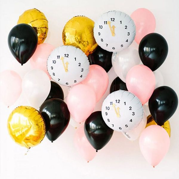 16 DIY New Year's Eve Party Decorations to Start Now