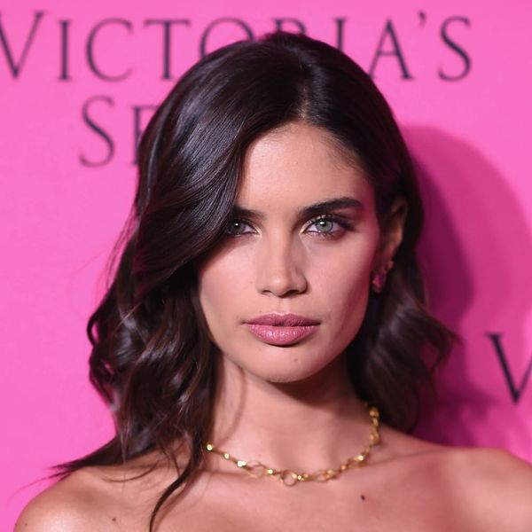 This Victoria's Secret Model Just Wore a Bikini Upside Down and We're So Confused