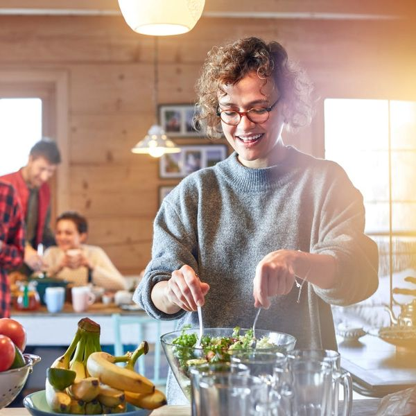 4 Tips to Avoid Overindulging During the Holidays