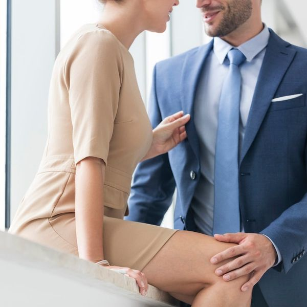 10 Crazy Office Romance Stories That'll Make You Glad You're Single