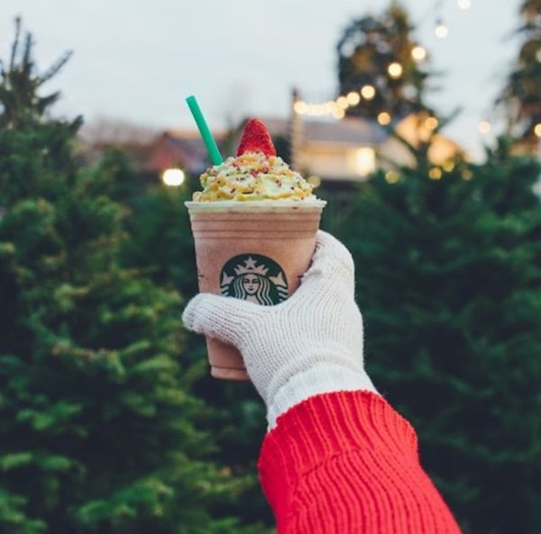 Starbucks' Super Limited Time Christmas Tree Frappuccino Is Here!