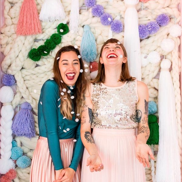 DIY The Ultimate Holiday Party Photo Backdrop