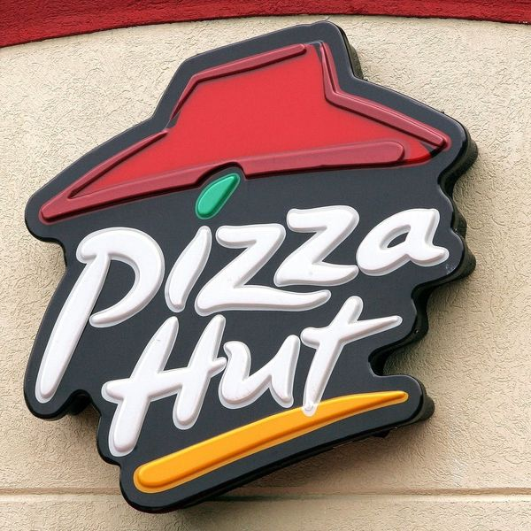 OMG: Pizza Hut Will Soon Be Delivering Wine With Your Pie