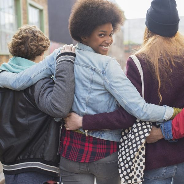 6 Ways to Stay in Touch With Your College Besties