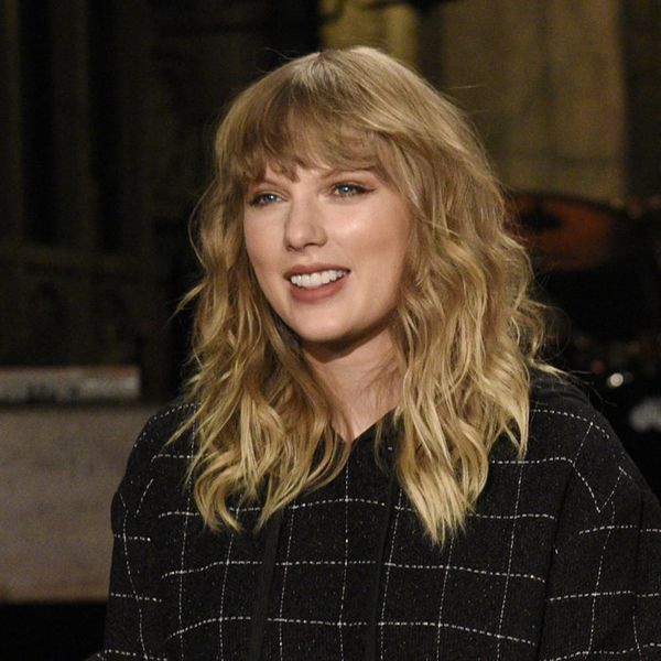 """Here's the One Symbolic Detail You Might Have Missed in Taylor Swift's """"SNL"""" Performance"""