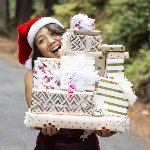 This Is How Women REALLY Shop for the Holidays, According to a New Survey