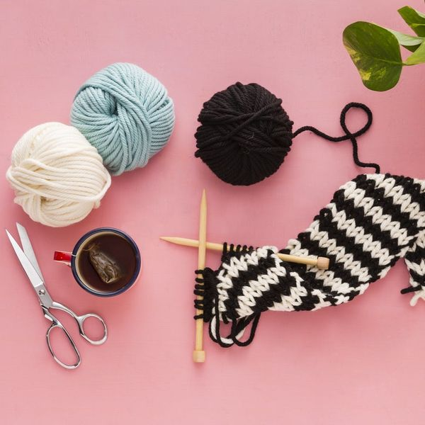 11 Quick Knits for Holiday Gifts (+ How to Get a FREE Holiday Pattern!)
