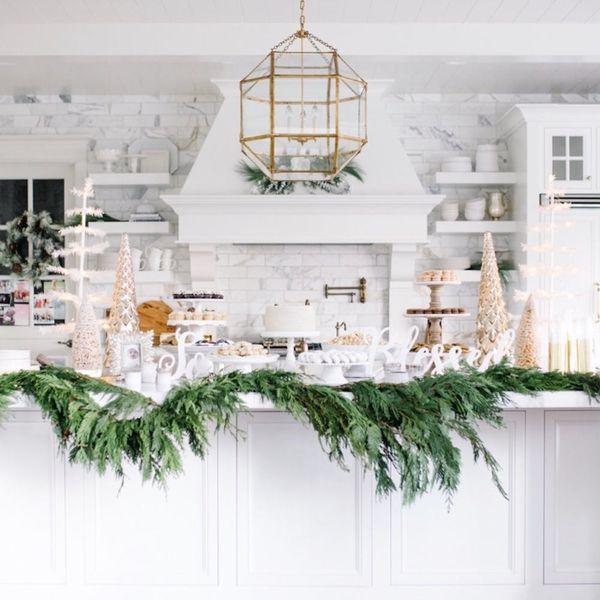 8 Entertaining Essentials You NEED This Holiday Season