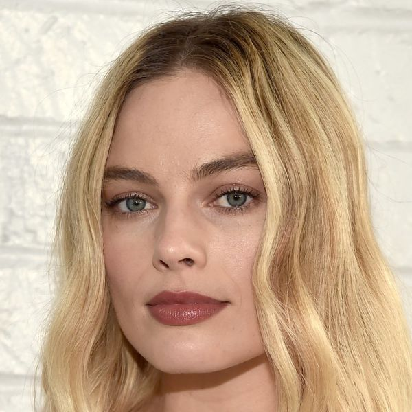 Margot Robbie's Reasoning for Only Wearing Her Wedding Ring on the Weekends Makes Total Sense