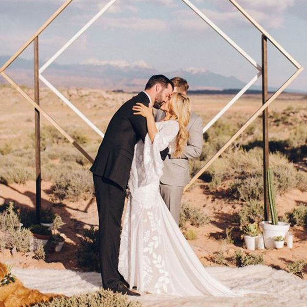 15 Minimalist Metallic Wedding Details for the Modern Couple