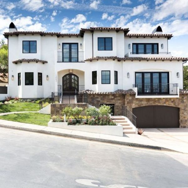Get a Tour of Serena Williams' New Beverly Hills Mansion