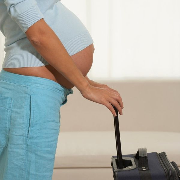 9 Essentials to Ease Holiday Travel When You're Pregnant