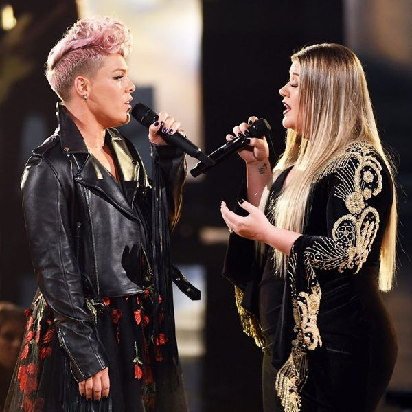 Pink and Kelly Clarkson Opened the AMAs With a Tribute to First Responders That'll Make You Weep