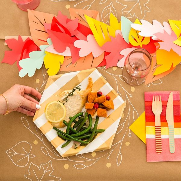 Here's How to Host Friendsgiving on a Dime
