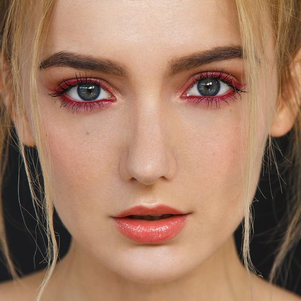 How to Pull Off Fall's Glossy Eye Makeup Trend