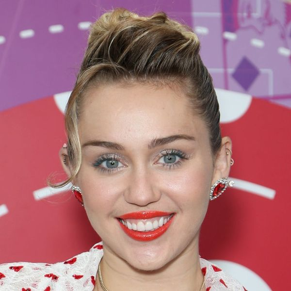 "Miley Cyrus Says Years Starring As ""Hannah Montana"" Did ""Extreme Damage"" to her Psyche"
