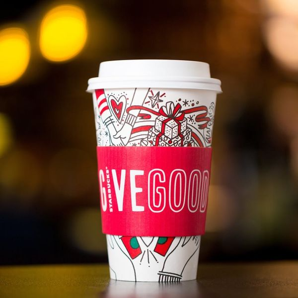 Starbucks Is Handing Out FREE Holiday Drinks Starting This Week!
