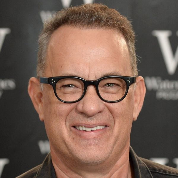 """Tom Hanks Helped a Man Propose to His GF, and Cue the """"Awwws"""""""