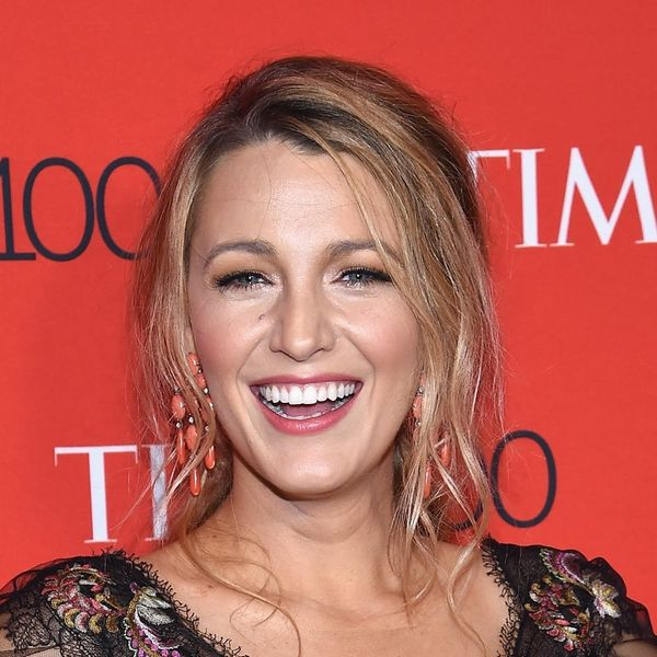 You'll Barely Recognize Blake Lively With a Short Wig for Her Latest Role
