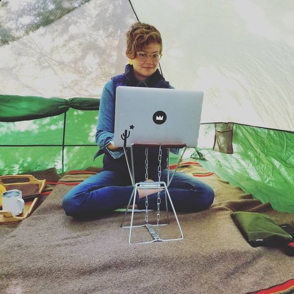 9 Tips on Working Remotely from a Woman Who Camps Full-Time
