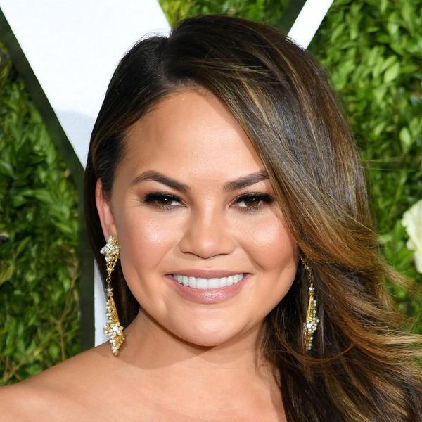 Chrissy Teigen Had a Hilarious Response to Accidentally Exposing Her Nipple on Snapchat