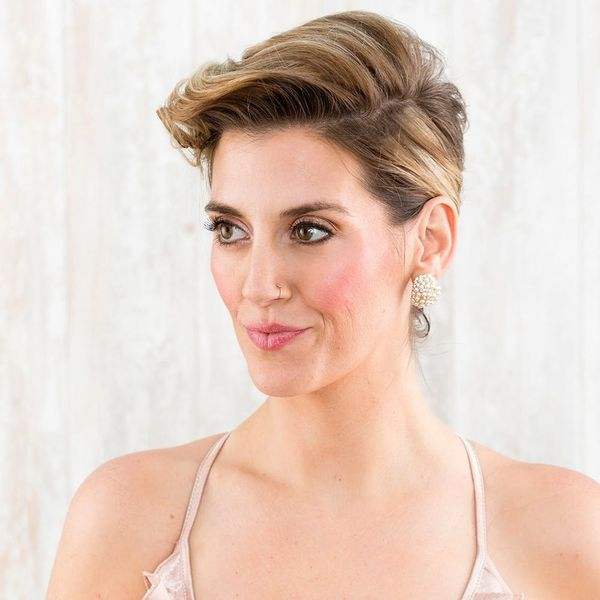 How to Copy Scarlett Johansson's Oscars Red Carpet Hairstyle Without Shaving Your Head