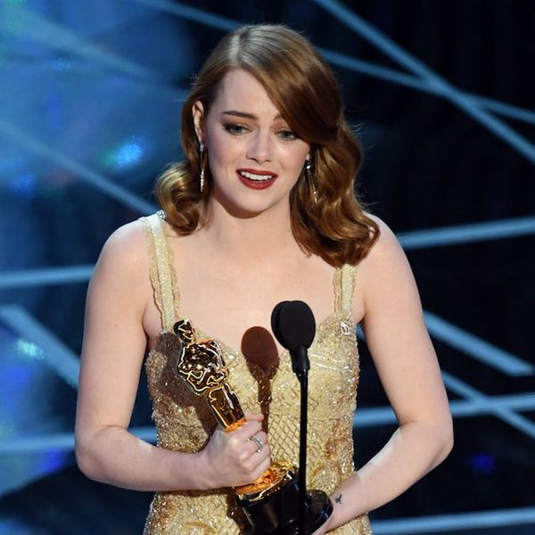 Morning Buzz! Emma Stone's Reaction to the Oscars Best Picture Mixup Is a Lesson in Losing Gracefully + More