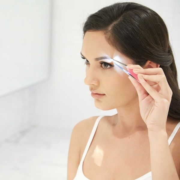 This Genius Tweezer Means You No Longer Have to Search for Perfect Lighting