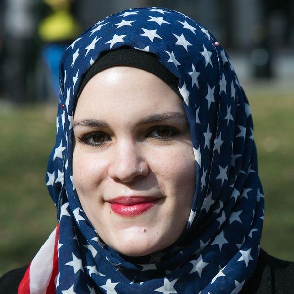 Female Scholars Are Empowering Muslim Women With This Amazing Hotline
