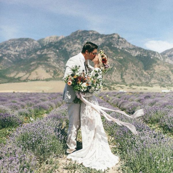 14 Spring Wedding Photo Ideas You Won't Want to Miss Out On