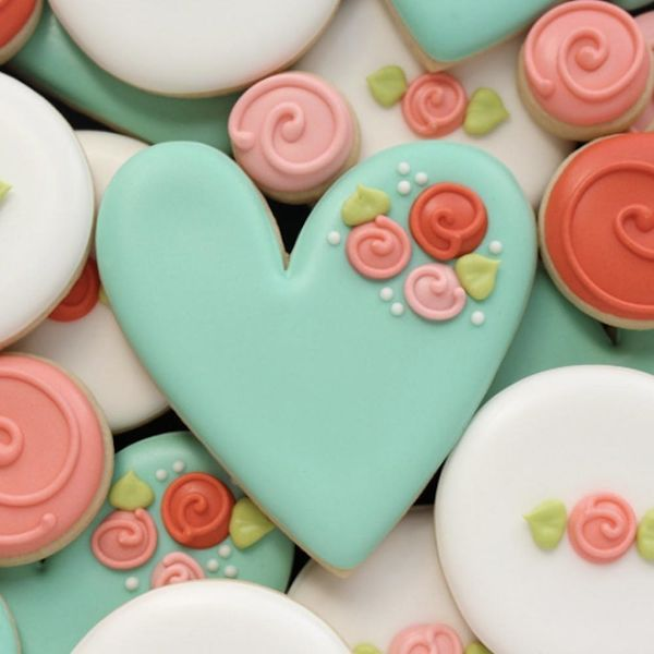 10 Heart-Shaped Desserts from the Most Popular Bakers on Instagram