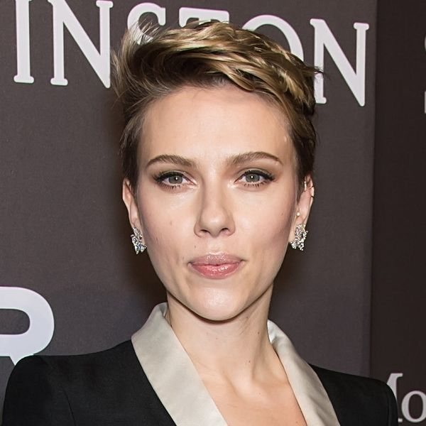 "Scarlett Johansson Reveals That As a Working Mom, She's ""Barely Holding It Together"""