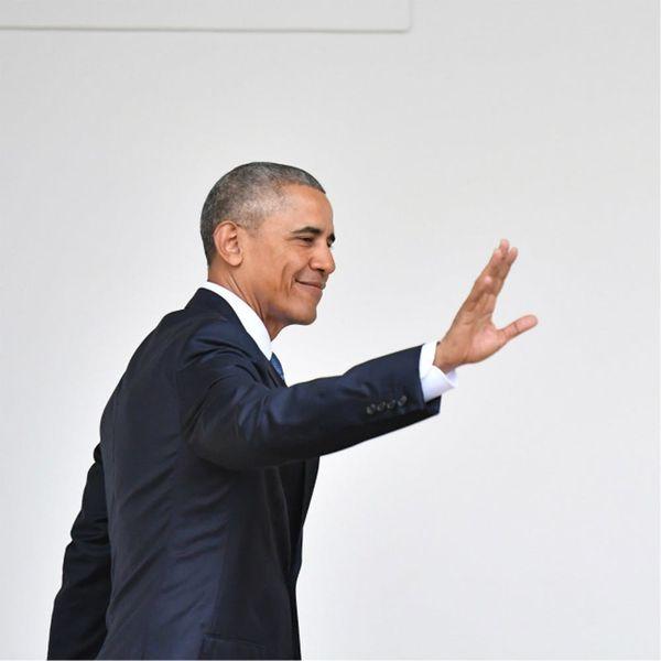 Obama's Former White House Photographer Is Trolling President Trump on Instagram