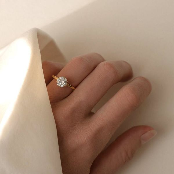 Vrai and Oro Is Changing the Way You Shop for Engagement Rings