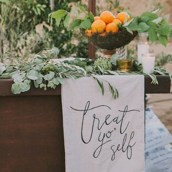 10 Gorgeous Ways to Incorporate Calligraphy into Your Wedding Decor