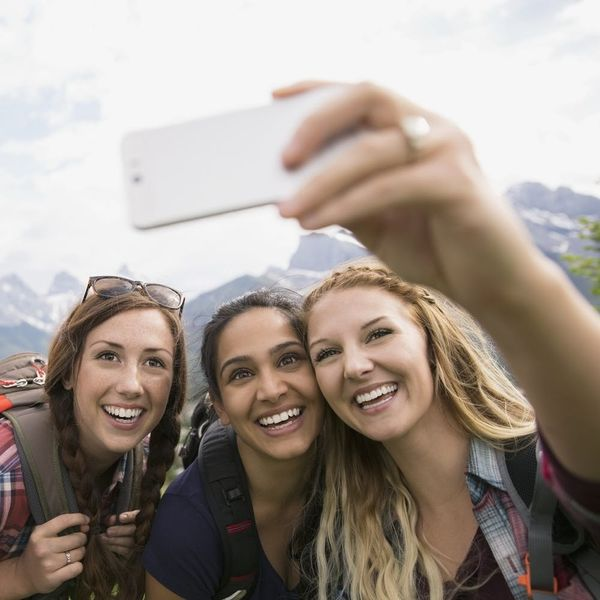 New Study Says Selfies Are the Key to a Great Vacay