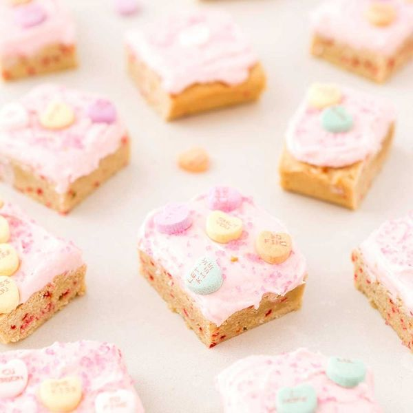 Celebrate Valentine's Day With This Conversation Heart Sugar Cookie Bars Recipe