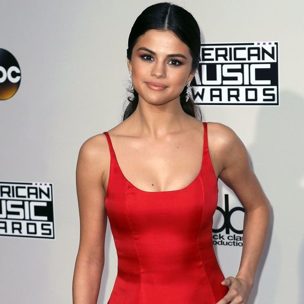 "Selena Gomez's Italian Vacation Style Screams ""That's Amore"""